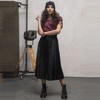 Dámska sukňa Urban Classics Ladies Velvet Plisse Skirt black