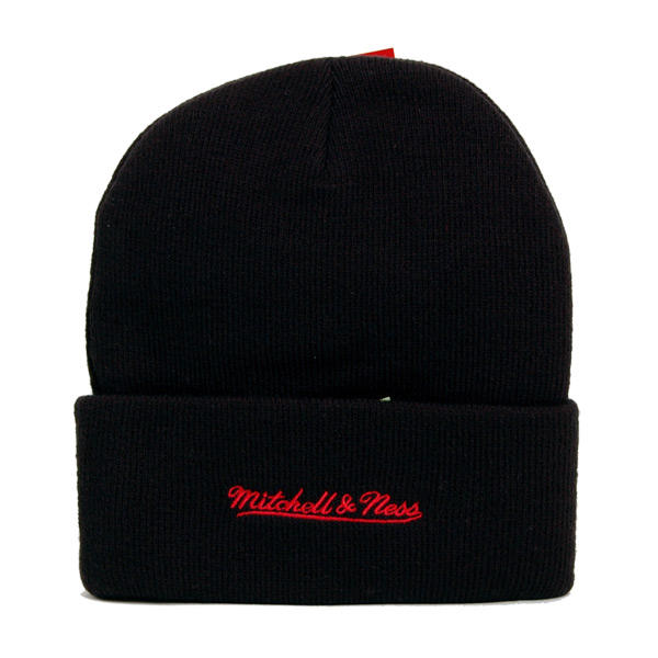 898a5fa39f0dd ... Zimná čiapka Mitchell & Ness NHL Team Logo Cuff Knit Beanie Chicago  Blackhawks ...