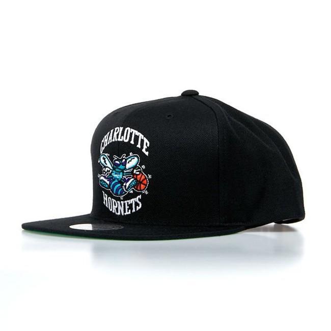 Mitchell & Ness Charlotte Hornets Snapback Cap black HWC Wool Solid Snapback